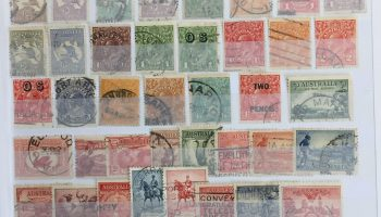 Classificatore 32 pag. completo di francobolli usati / lot used stamps
